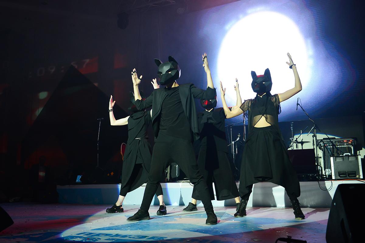 Танцевальный проект Foxtronica